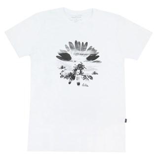 Camiseta Especial Quiksilver Flowers In The Dirt Branca