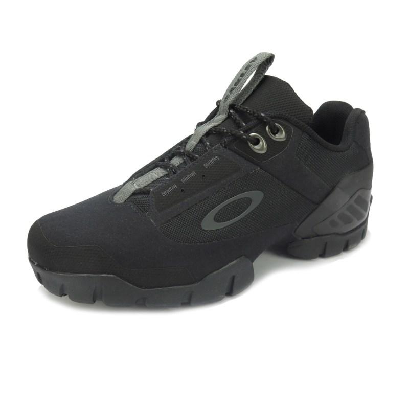 Compre Tênis Masculino Oakley Flak Summit Jet Black na Back Wash! fe27e39efa